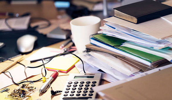 What Does a Clean or Messy Work Desk Say about You?